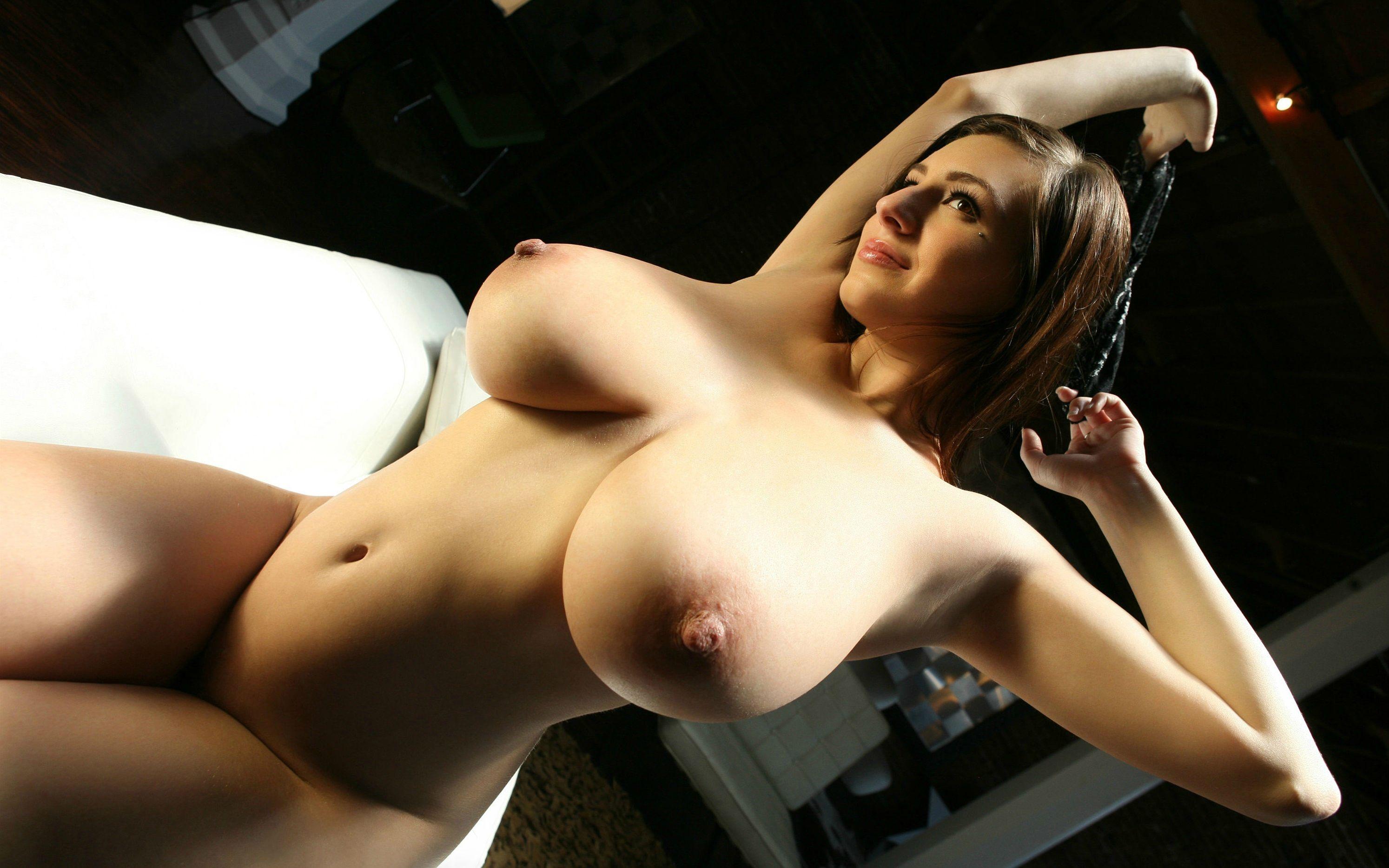 foto-golie-siski-na-ves-ekran